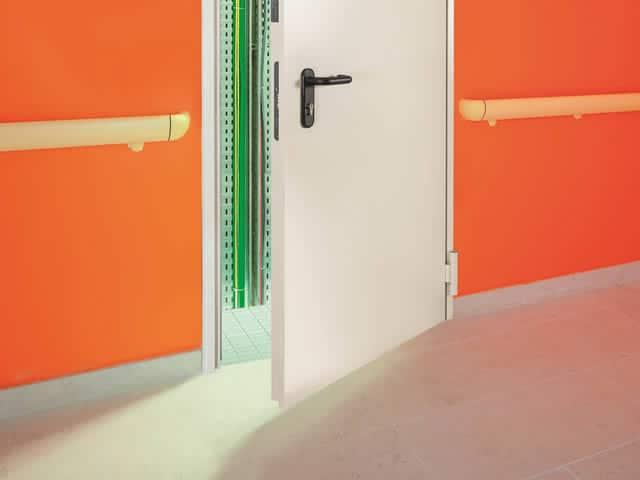 Een brandveilige deur behoort ook tot de mogelijkheden van brandbeveiliging|offerte brandbeveiliging